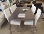 Tisch 44