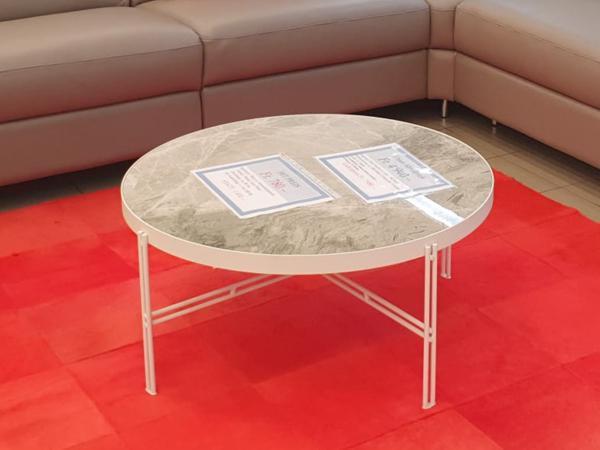 Tisch 12