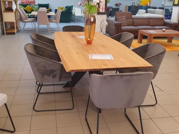 Tisch 14