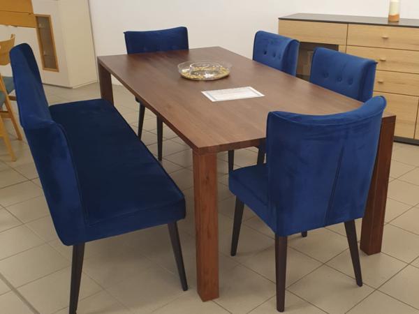 Tisch 22