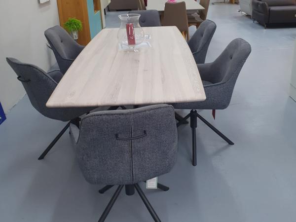 Tisch 29