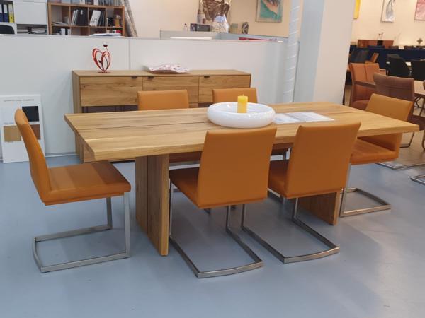 Tisch 32