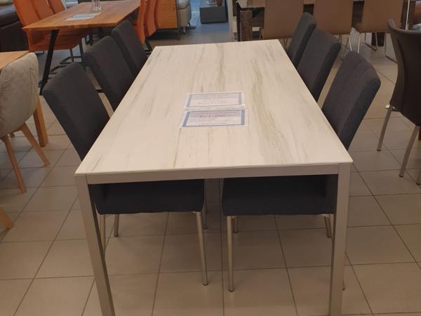 Tisch 34