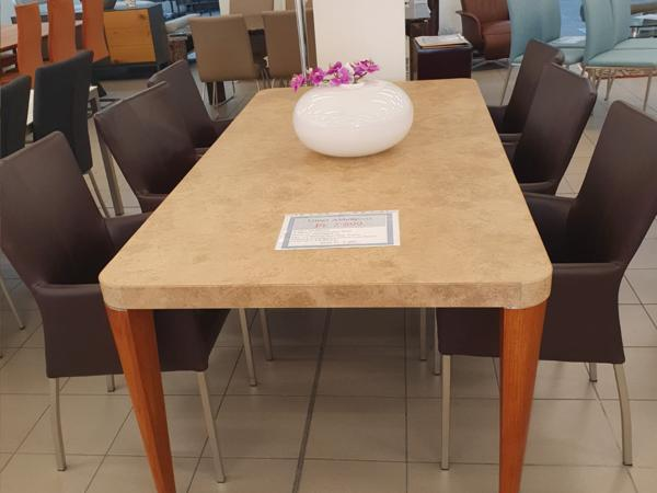Tisch 36