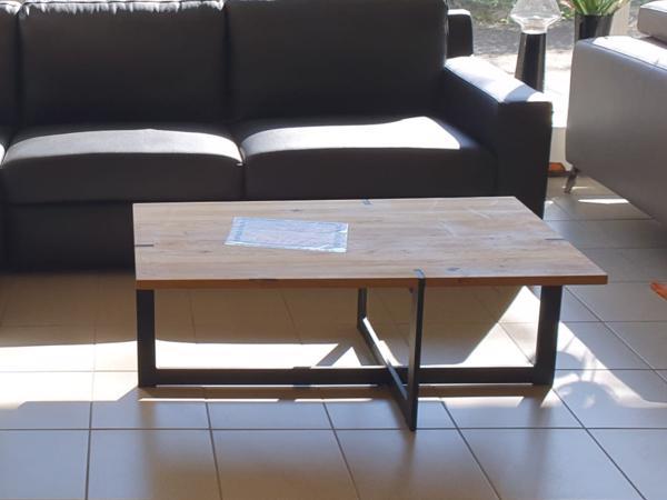 Tisch 7